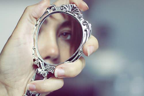 Sonhar com espelho